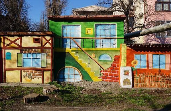 Роспись гаражей в Одессе, 2012 | Aрт-студия «Peach»