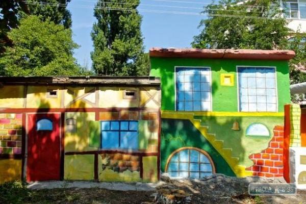 Художественная роспись стен гаражей в Одессе, 2012 | Aрт-студия «Peach»