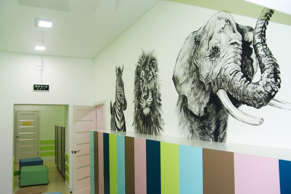 Роспись стен в детском садике Happy time | Aрт-студия «Peach»