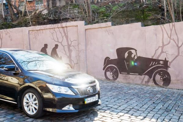 Художественная роспись стен Карантинного спуска в Одессе | Aрт-студия «Peach»