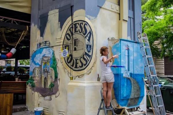 Художественная роспись трансформаторной будки в Одессе | Aрт-студия «Peach»