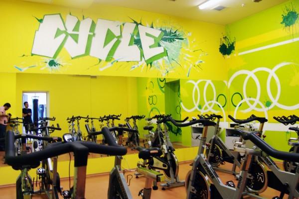 Роспись стен в стиле графити/ граффити | роспись стен в интерьере, оформление спорт зала, роспись стен в сайкл зале, граффити, техники росписи стен, виды оформления стен, стрит арт художники, графити слова, граффити