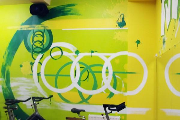 Роспись стен в стиле граффити фитнес-клуба «Шторм»   Aрт-студия «Peach»