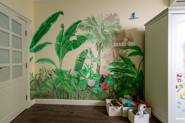 Оформление стен в детской комнате профессиональными художниками